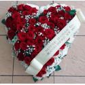 Vénus - Coeur de roses rouges